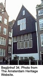 Benijnhof 34 - A rare wooden row house in Amsterdam.