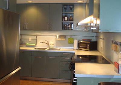 A designer kitchen that's easy to work in.
