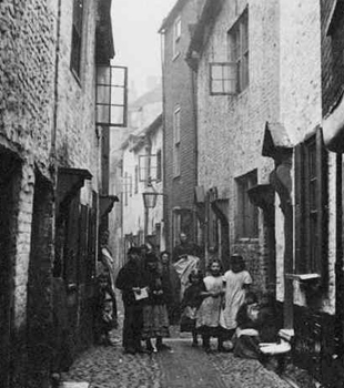 Residents in turn of the century Great Yarmouth.