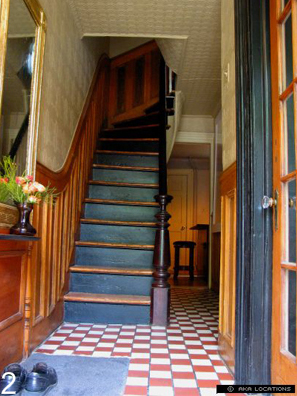 Front hall of Georgian / Greek Revival row house in Jersey City. Photos: Richard Haymes and Michael DeJong.