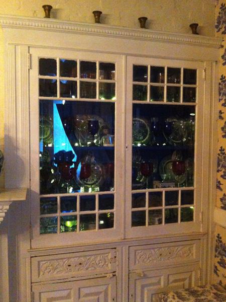 Built-in china cabinet - Greek Revival Row House, Philadelphia